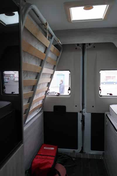 Livingstone-Sport-2-Kastenwagen-Heck-Innenraum