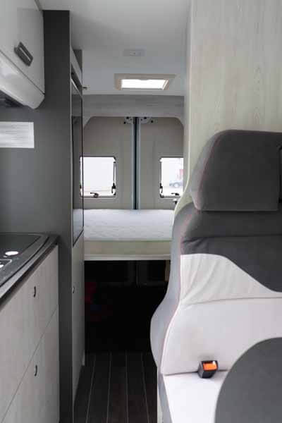 Livingstone-Sport-2-Kastenwagen-Innenansicht 1