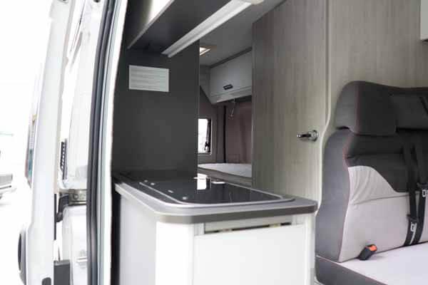 Livingstone-Sport-2-Kastenwagen-Tür offen